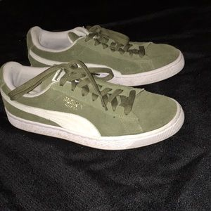 Moderately used Astro Kick Puma Sneakers